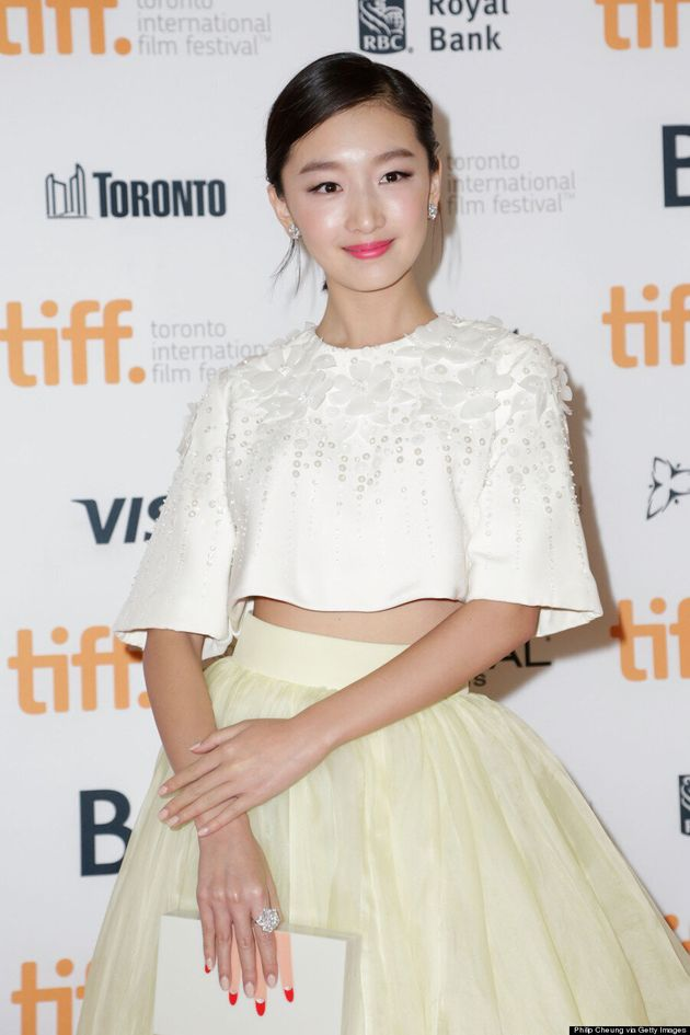 Zhou Dongyu TIFF 2014: Actress Rocks Romantic Crop Top On Red