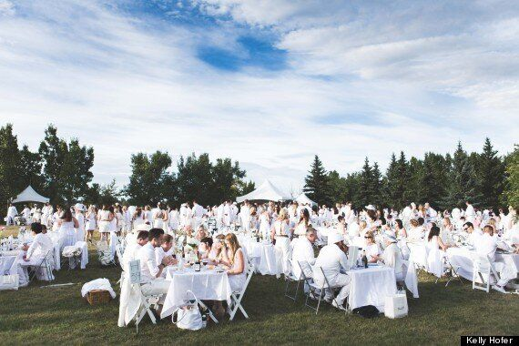 Diner En Blanc Calgary 2014 Draws 2,500 Picnickers In White