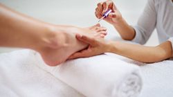 Nail Salon Allegedly Refuses To Give Pedicures To 'Overweight'