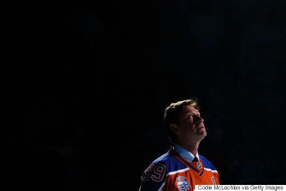 Wayne Gretzky Returns To Edmonton Oilers As Partner And