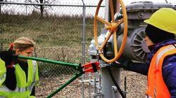 Activists Break In And Shut Off 5 Canada-U.S. Oil
