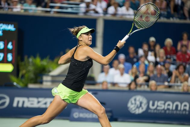 Belinda Bencic Defeats Serena Williams At Rogers Cup To Advance To