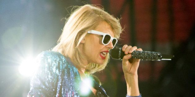 Taylor Swift In Vancouver: Star Wows BC