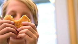 Alberta Teachers Sharing Their Own Food With Hungry Students: