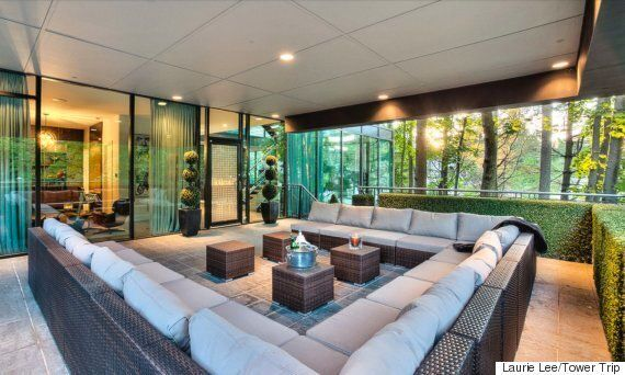 Glass House Near Toronto Is A Smashing Place To Throw A