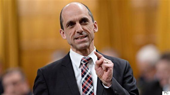 Steven Blaney Says He'll 'Dismantle' Reserves To Help First Nations Become 'Fully