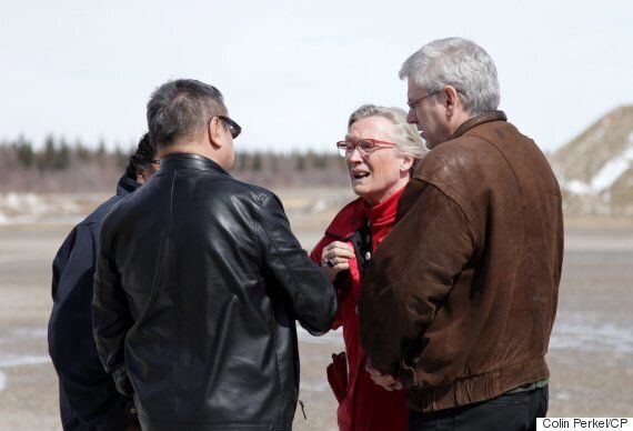 Attawapiskat Suicide Crisis: Carolyn Bennett Gets Earful In Visit To First