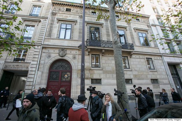 Celebrities Rally Behind Kim Kardashian After Terrifying Paris