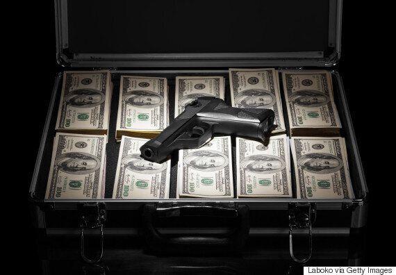 Apocalypse Now? U.S. Elites Stocking Up On Guns, Gold, Exit
