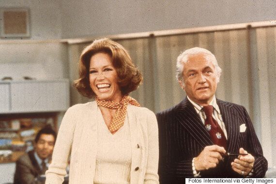 Mary Tyler Moore On How That Famous Hat Toss Came To