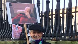 Ian McKellen's Sign At Women's March Sums It All