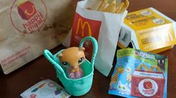 Tory Senator Wants Toys In Your Happy Meal Gone For