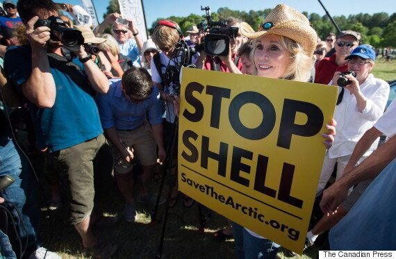 Jane Fonda In Alberta To Protest Oilsands, Pro-Oil Groups Not