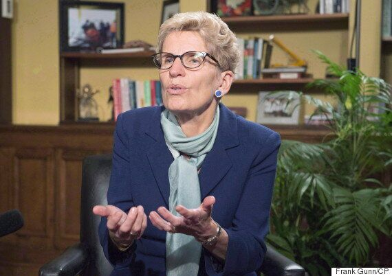 Kathleen Wynne Asks Why Ontarians Are Drinking Bottled Water At