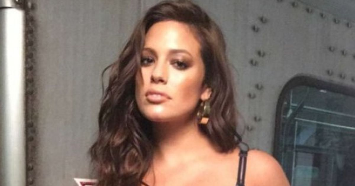05bf40859 Ashley Graham Rides The Toronto Subway In Lingerie For New Addition Elle Ad