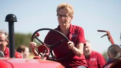 Ontario Premier Booed Over Hydro
