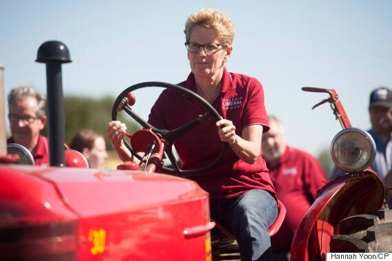Kathleen Wynne Booed Over Ontario Hydro Rates At Plowing
