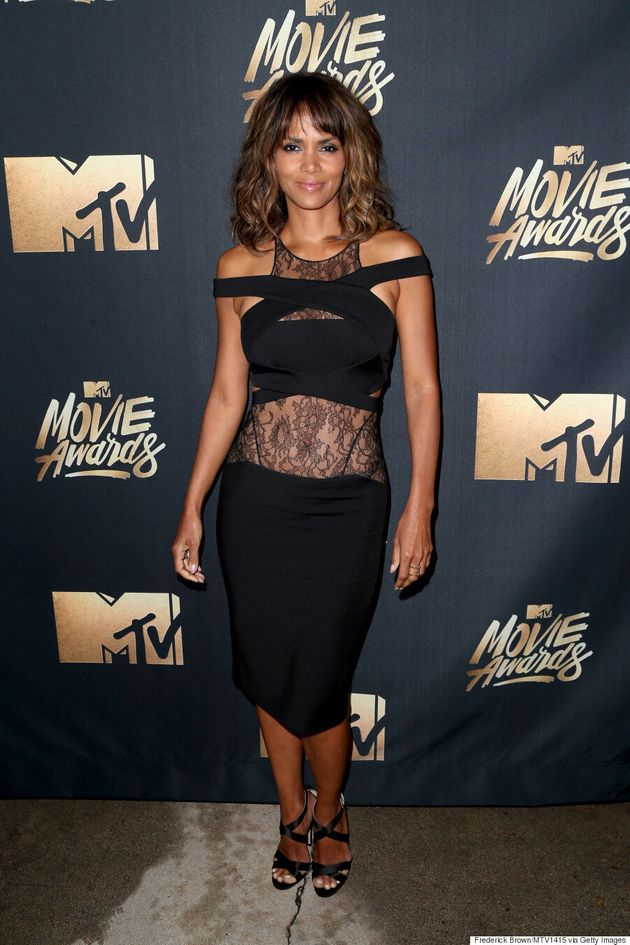 Halle Berry Flaunts Rock-Hard Abs At The 2016 MTV Movie