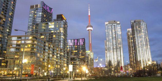 Toronto downtown skyline at