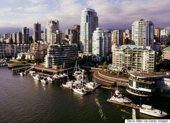 Toronto, Vancouver Face Housing Shortage Amid Warning Price Boom May 'End