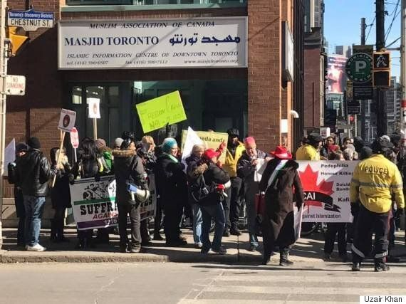 Anti-Islam Groups Block Entrance Of Toronto Mosque During