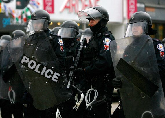 G20 Detainees Can Sue Cops In Class Action, Court