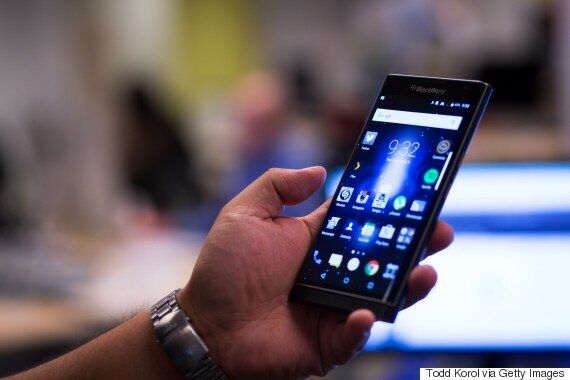 BlackBerry's Market Share Declines To