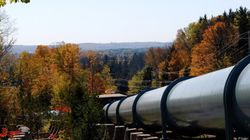 Halt Payments To Provinces That Refuse Pipelines, Industry