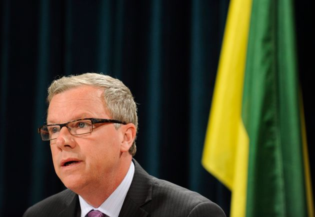 Halt Equalization Payments To Provinces That Refuse Pipelines, Industry