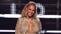 This Is Beyoncé And Her Many VMA Outfit Changes.