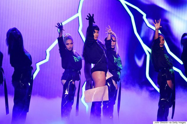 A Breakdown Of Rihanna's 2016 MTV VMAs Outfits: The Good, The Better, The