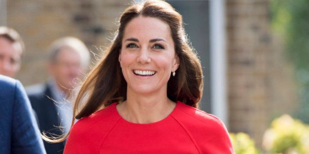LONDON, ENGLAND - AUGUST 25: Catherine, Duchess of Cambridge arrives to visit a helpline service run by one of the eight charity partners of Heads Together on August 25, 2016 in London, England.  (Photo by Arthur Edwards - WPA Pool/Getty Images)