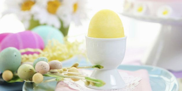 Sticky Situation: Easter Table Etiquette For Hosts And