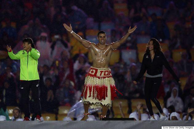 Tonga's Flag-Bearer Was Shirtless Again At The Rio Closing