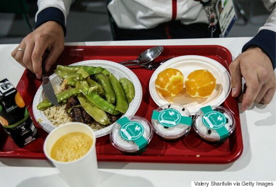 Gourmet Chef Feeding Rio Homeless With Garbage-Bound Olympic Food