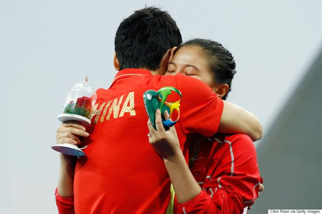 Chinese Diver Proposes To Teammate After She Wins Silver At
