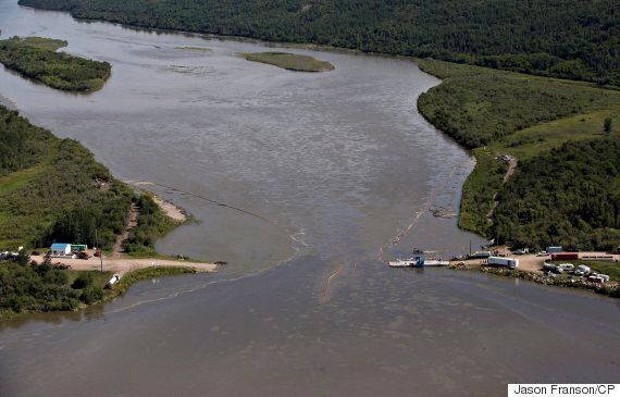 Saskatchewan Oil Spill: Water Tests Find Oil Levels Are Too