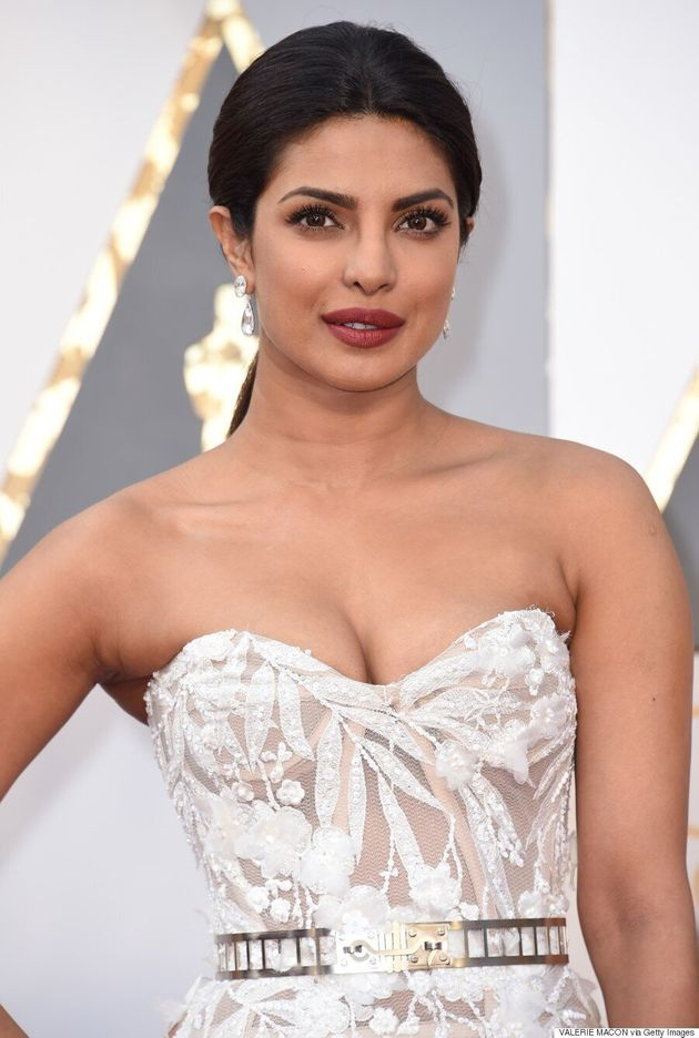 Priyanka Chopra Oscars 2016: Bollywood Star Stuns In White And