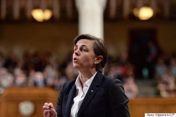 Kellie Leitch Out With Early Lead In Conservative Leadership