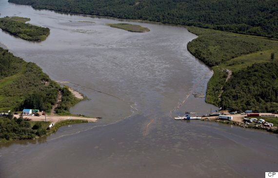 Saskatchewan Oil Spill: Husky Energy Pipeline Leaks Crude Oil Into Major