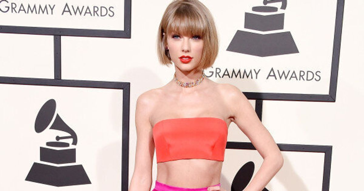 Taylor Swift Grammys 2016 Pop Star Sizzles In Full Colour On The Red Carpet Huffpost Canada