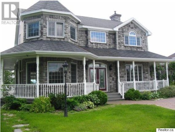Lottery Winner's Newfoundland Mansion Has Sat Unsold For 4