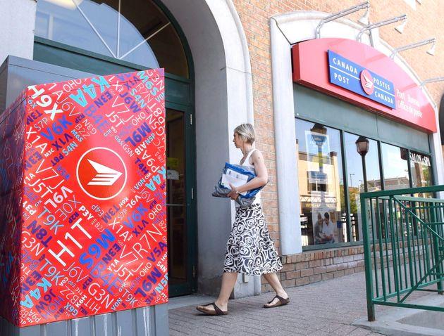 Should Canada Post Become A Bank? No Need, Says Banking