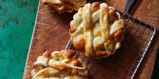 Apple Recipes: Pie, Bread And Snacks To Eat This