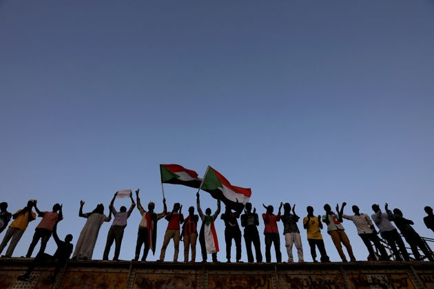 Un mois après l'éviction de Béchir, le Soudan loin d'un pouvoir