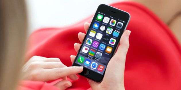 Smartphone Prices To Rise As Loonie Falls, Bell CEO George Cope