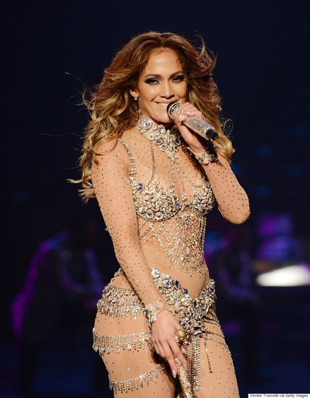 Jennifer Lopez Goes Makeup-Free For '#WhiteGirlAnthem' Dubsmash