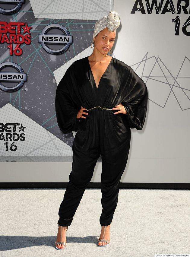 Alicia Keys Goes Completely Makeup-Free On The BET Awards Red