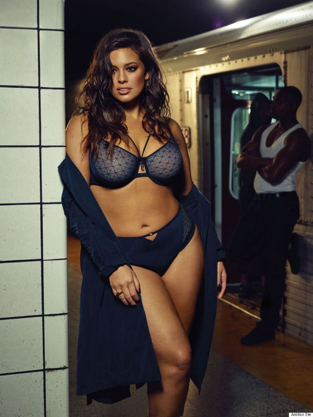 b194e4d6a19 Ashley Graham Rides The Toronto Subway In Latest Addition Elle Ad ...