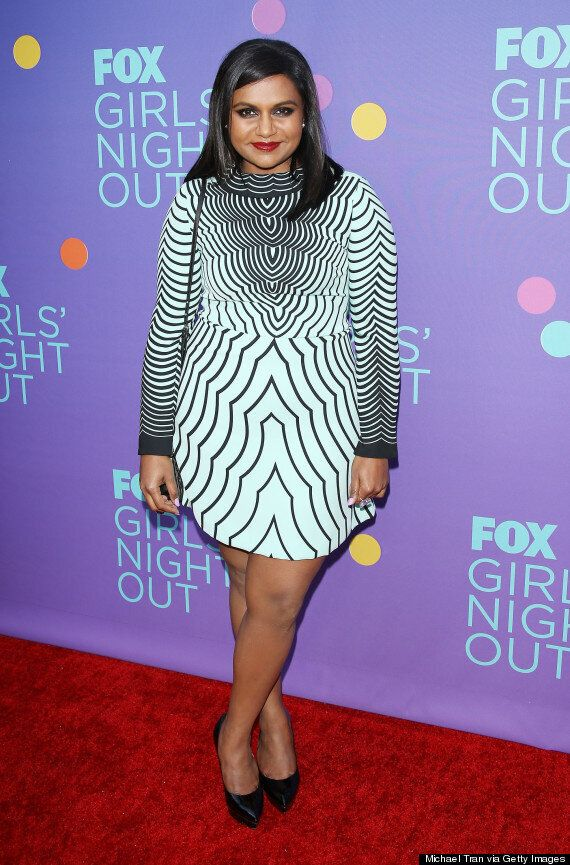 Mindy Kaling Is A Sight To Behold In Marc Jacobs Dress Photos Huffpost Canada